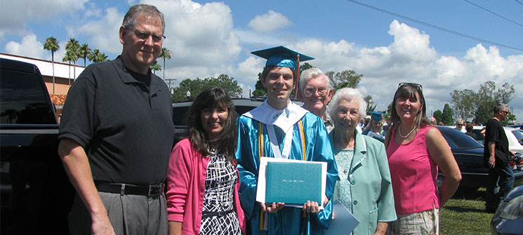 Image for Plant City high school graduate earns Right Fit Foundation scholarship