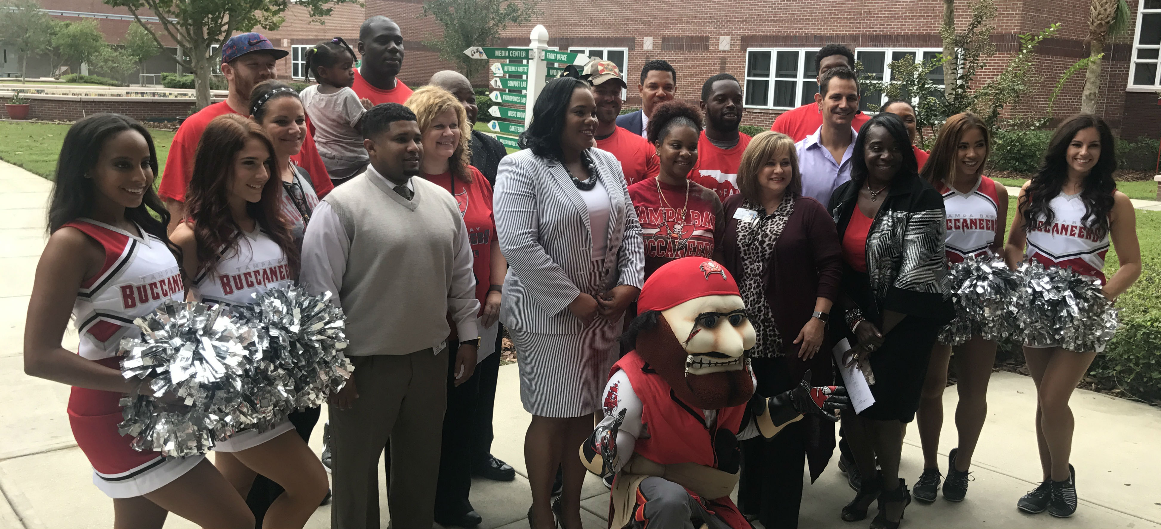 Image for Tampa Bay Buccaneers promote spirit and teamwork at Lockhart/Lee campus