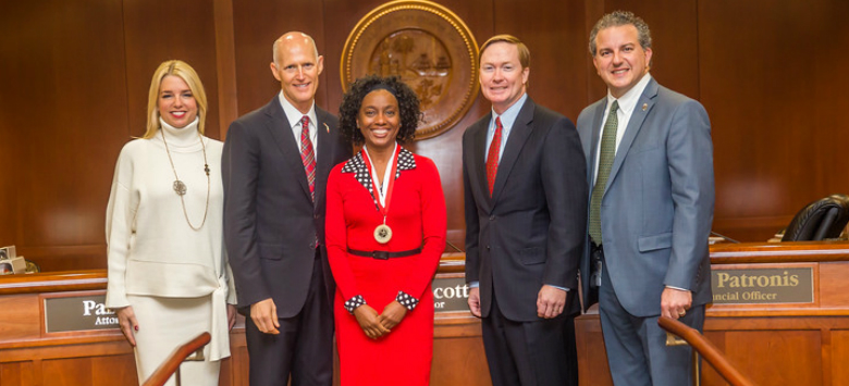 Image for Lockhart teacher Felecia L. King receives governor's Shine award