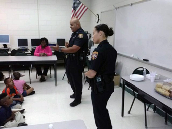 Gang Intelligence Unit speaking to students